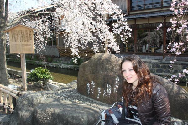 CouchSurfing(桜とウクライナ美人。)
