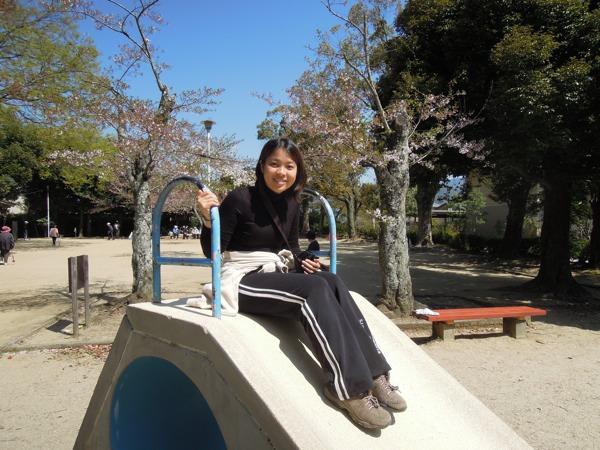 公園で遊ぶメイサン。