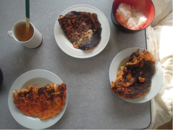 キムチ・チジミと御飯と味噌汁。