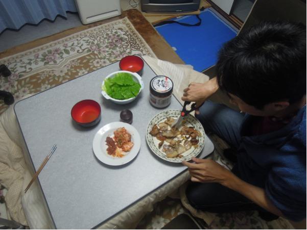 カウチサーフィン(カジさん、日本)、韓国風焼き肉