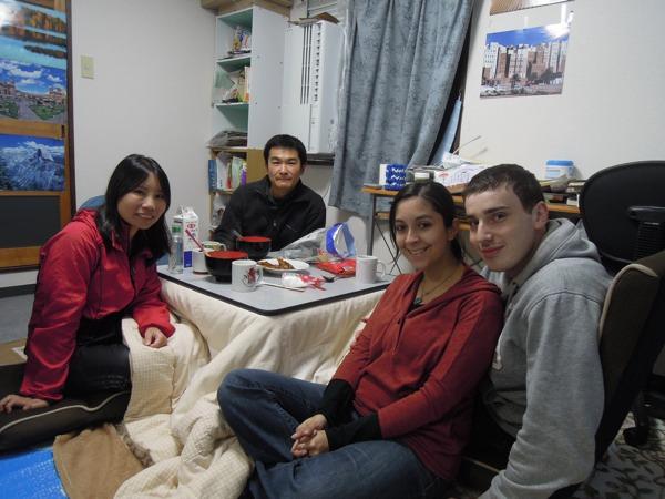 カウチサーフィン(デイビッド、ケイティ、イギリス)、(キティ、香港)