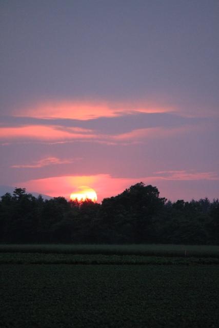 070沈む太陽