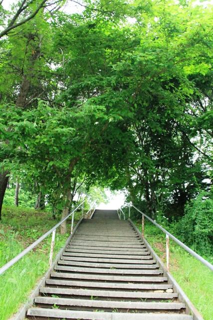 066お不動産の階段
