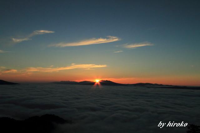 036斜里岳と知床連山からの日の出