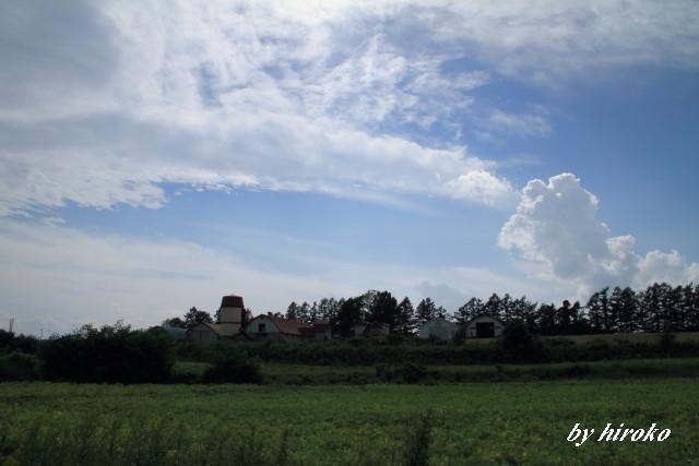 019サイロと秋の雲