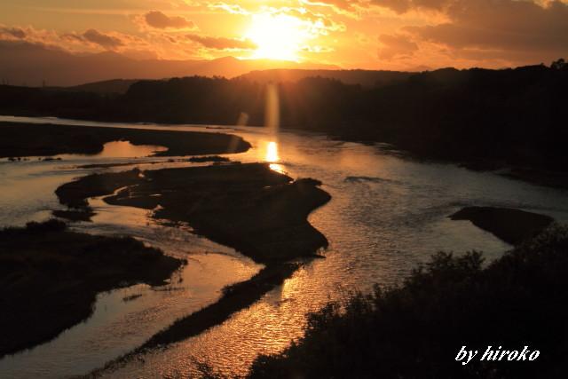 014川面を照らす夕陽