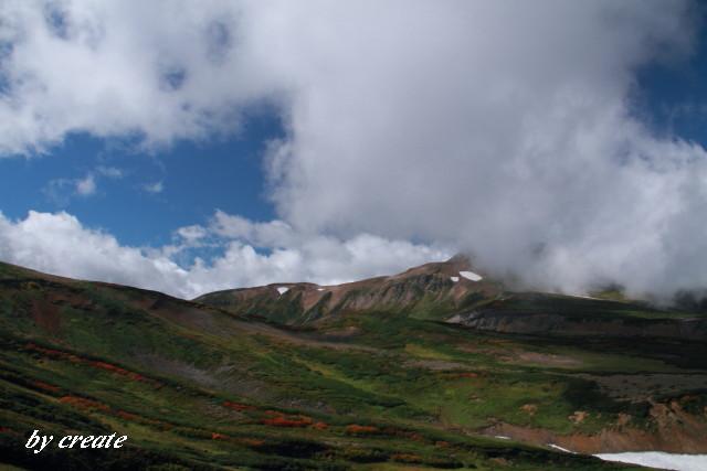 251雲に覆われた北鎮岳