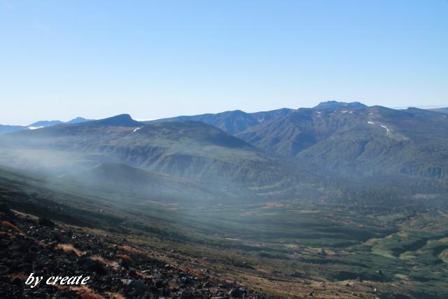 0687合目から見えるトムラウシ山や忠別岳