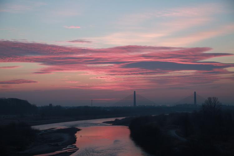 DPP 043 川面に映るピンクの空0001