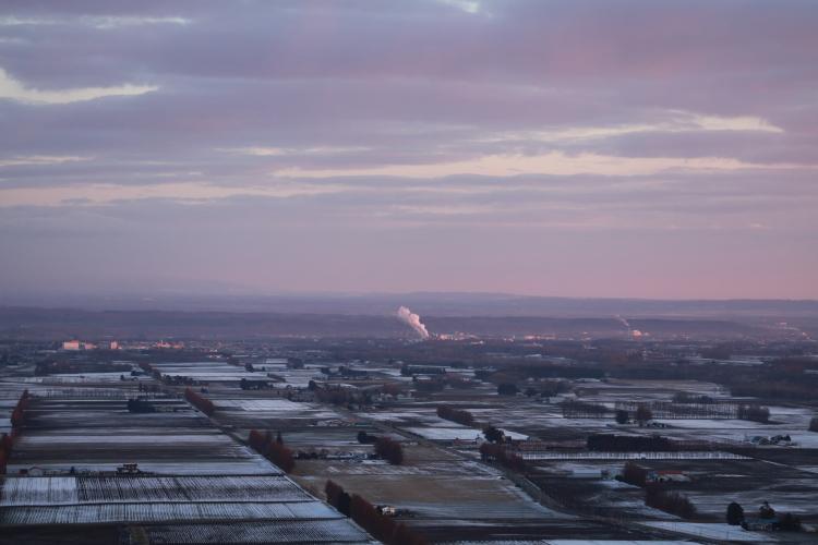 DPP 133 ピンクに染まる空と十勝0001