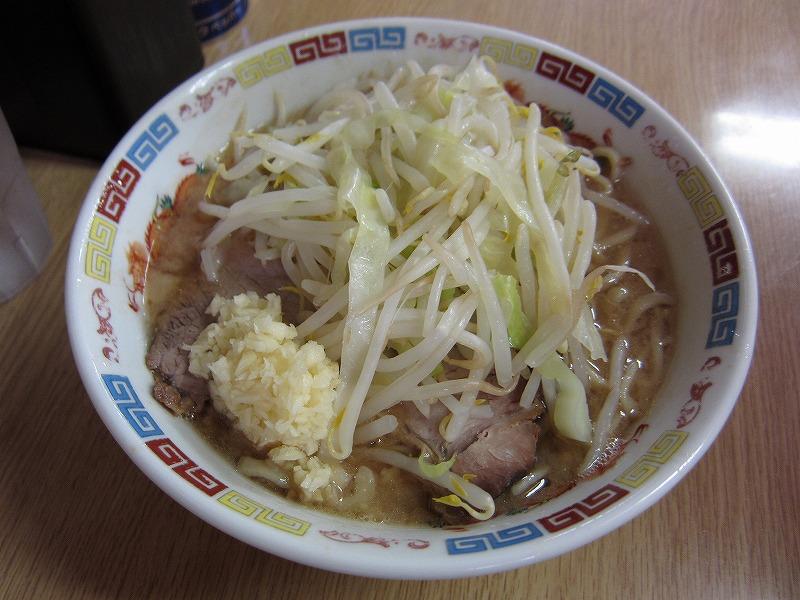 ラーメン 麺少なめ ニンニク  ¥650