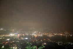 夜景もこんな感じ。肉眼ではもうチョイ綺麗だったけど。