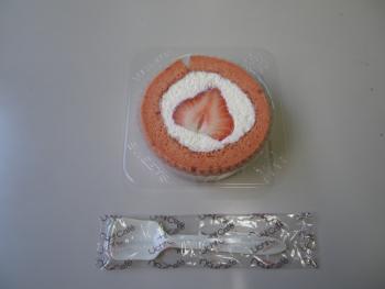 あまおうロールケーキ中身