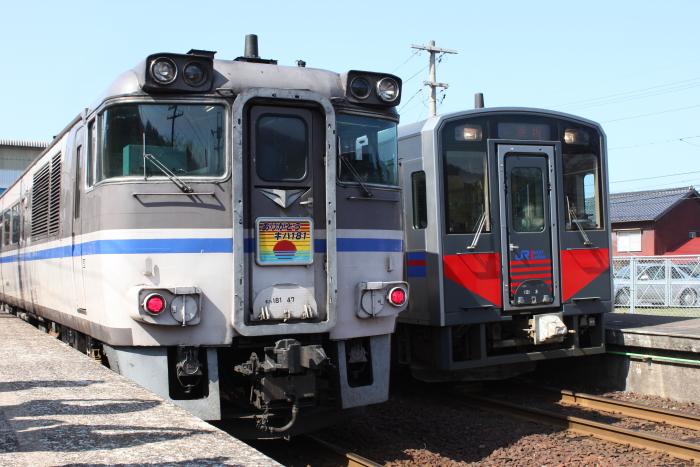 キハ181とキハ126
