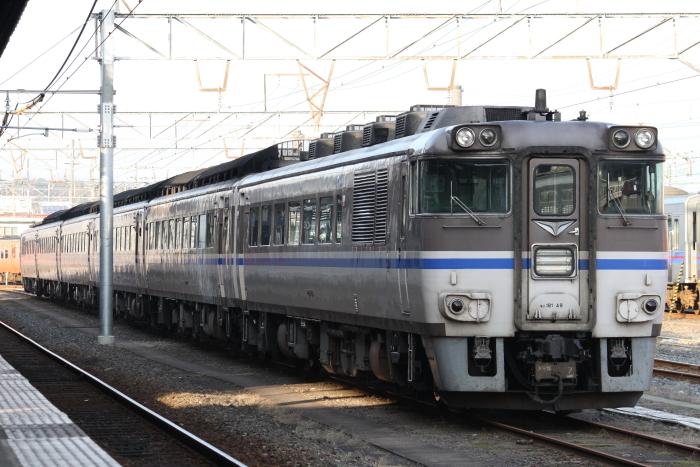 米子駅に近い留置線で留置されるキハ181系
