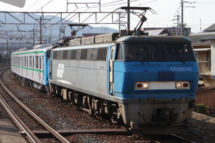 石山駅待避線に入る16106F甲種輸送