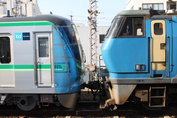 16000系とEF200の連結面