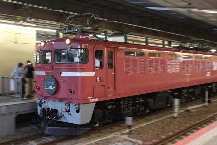 EF81-107復帰6日後の日本海(流し)