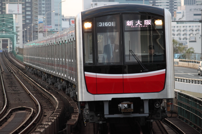 31601Fの新大阪行き(西中島/SS100分の1)