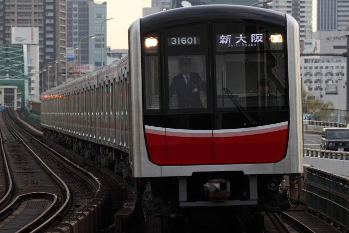 新大阪行きの31601F(西中島南方)