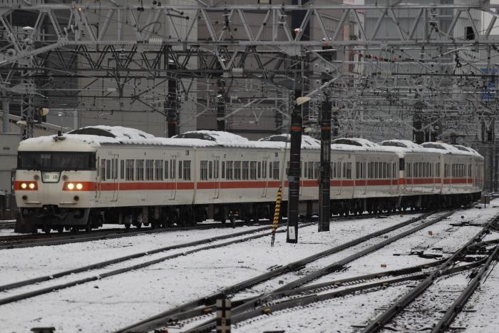 117系カキS3+S13編成の新快速(名古屋止/名古屋)