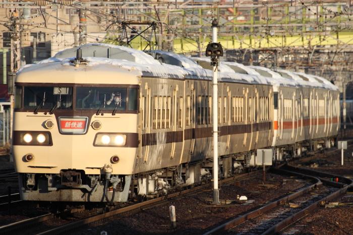 117系カキS11編成+S12編成の新快速岡崎行き(熱田)