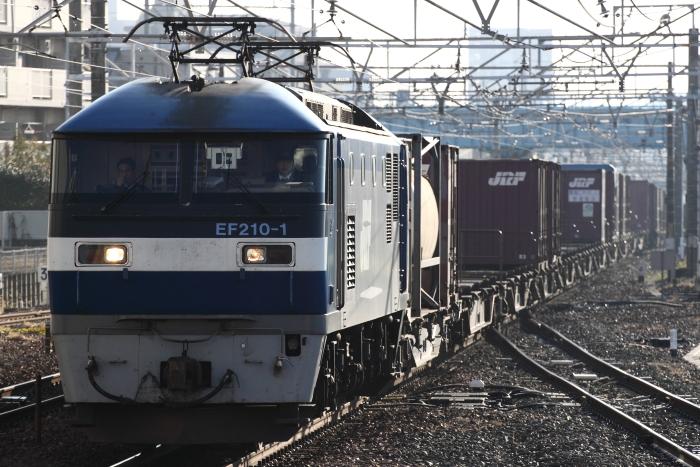EF210-1牽引の貨物(列番不明/刈谷)
