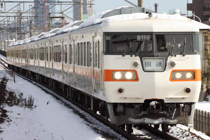 117系カキS12+S11編成の回送(西岐阜)