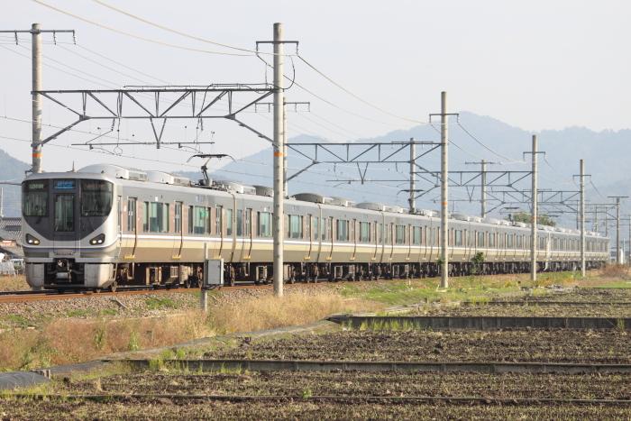 オール225系の新快速(安土ー近江八幡)