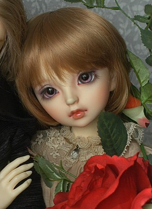doll-grimrose01.jpg