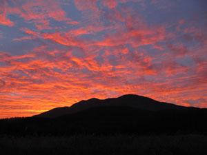 飯綱山と夕焼け