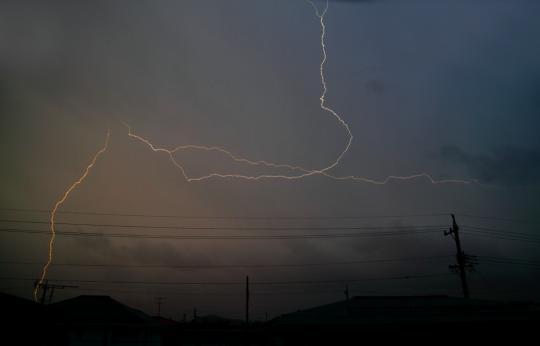 2012.04.03-稲妻-1