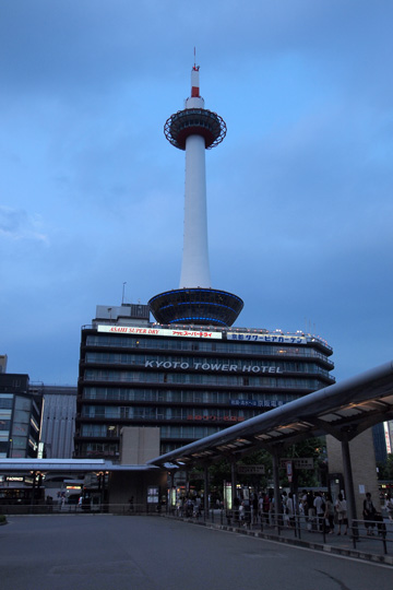 20100822_kyoto_tower-01.jpg