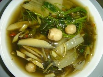 タケノコとキノコのスープ