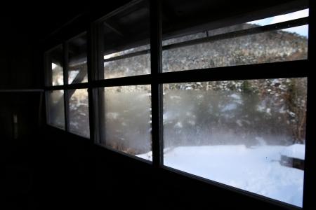 窓は直っていた