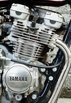 XJ400_3_ba.jpg