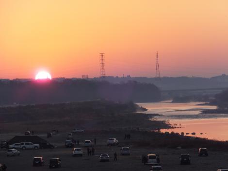 初日の出・相模川高田橋より