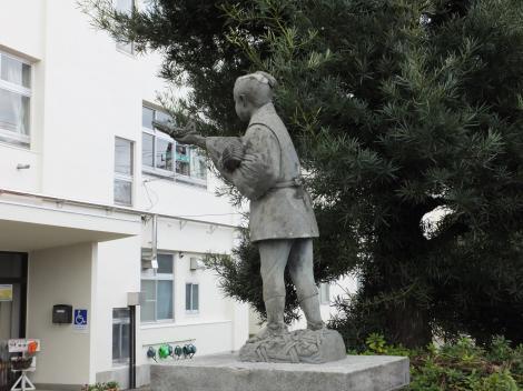 二宮金次郎像・中津小学校