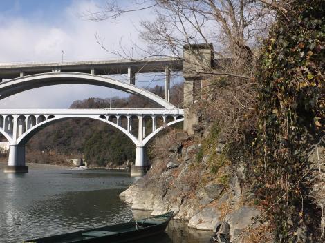 小倉橋の妙な塔