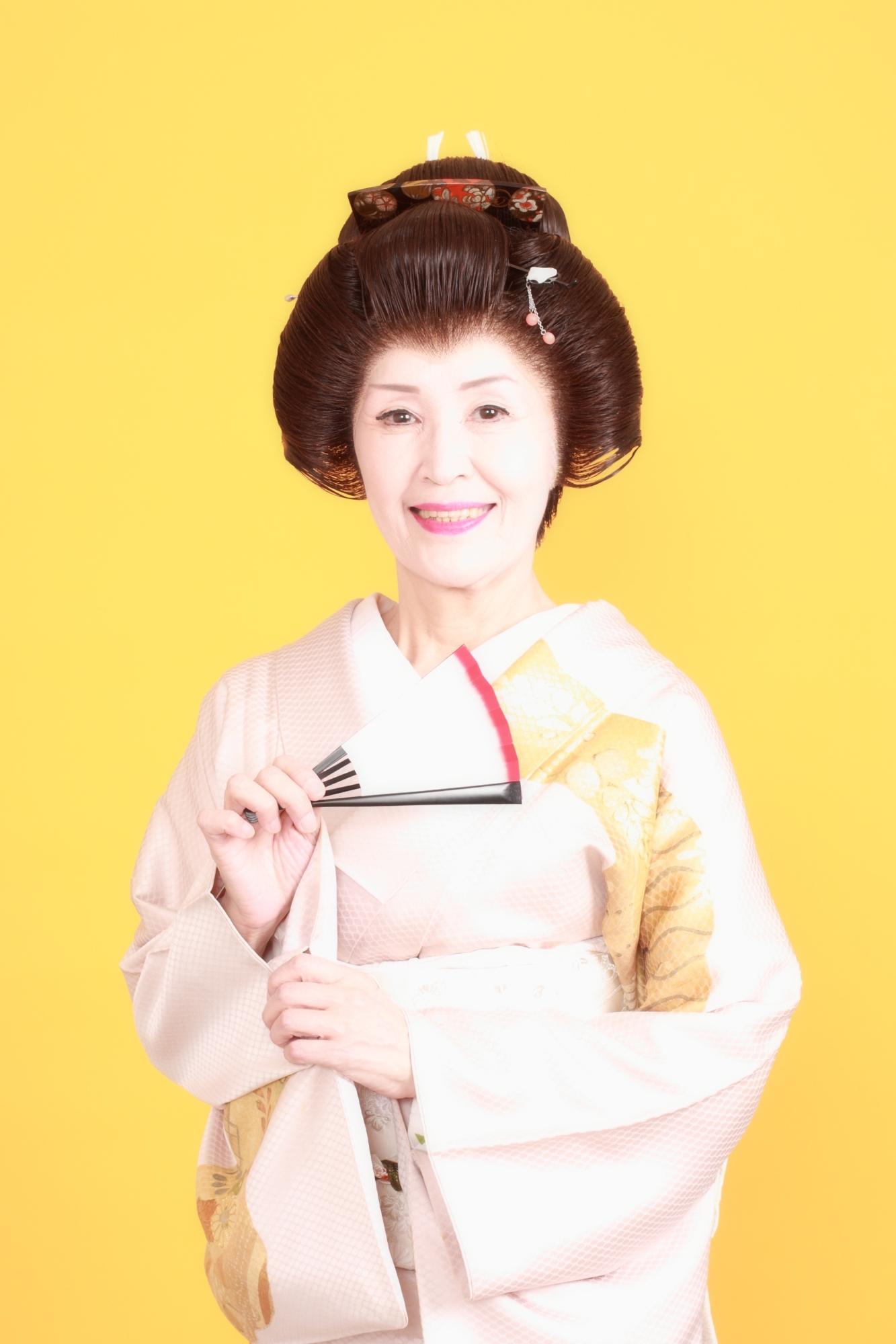最後の芸者歌手、浮子姐さん亡く...