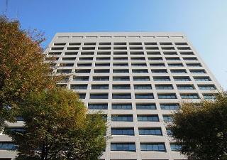 経産省庁舎1