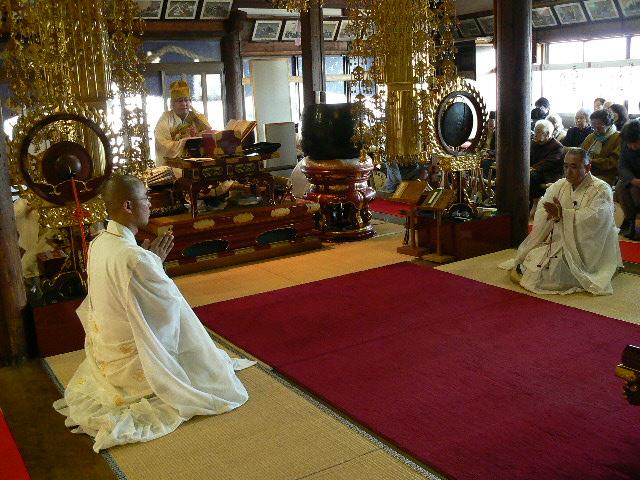 年末供養会を勤めるの聖僧