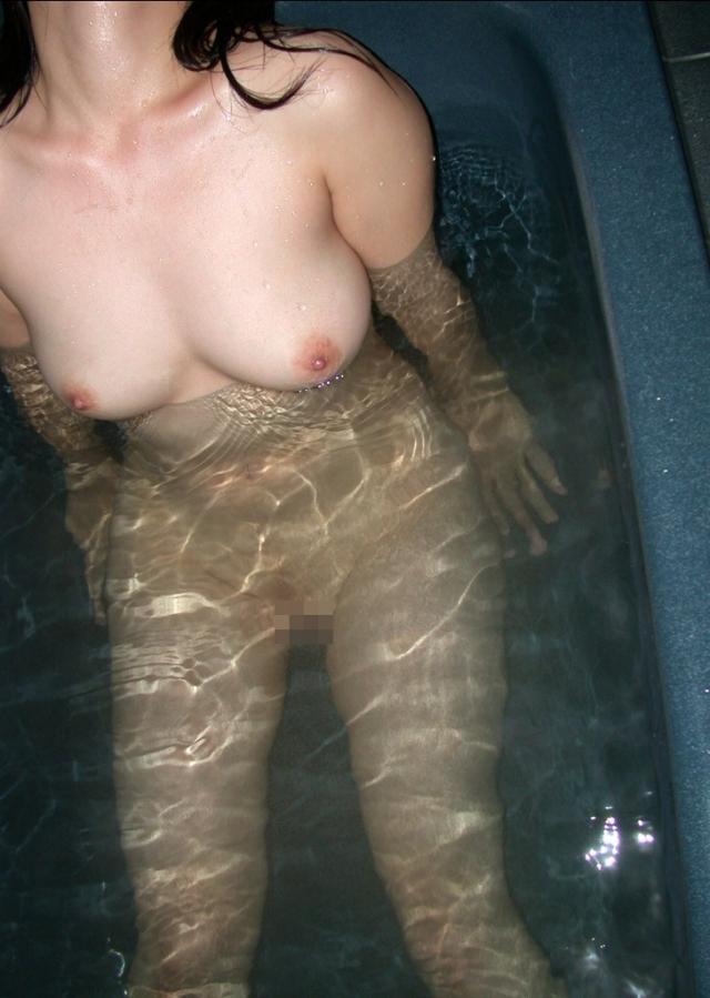 【エロ画像】素人の全裸姿を見ることが出来るお風呂の写真