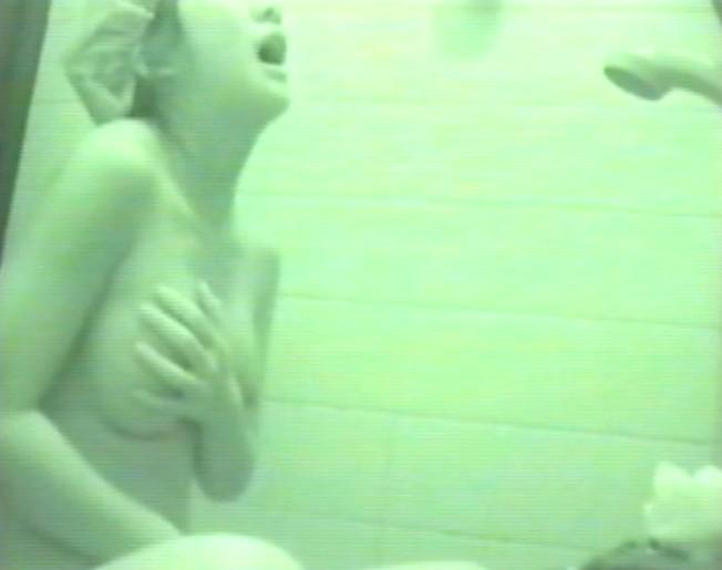 自宅の風呂でオナニーするJCを盗撮