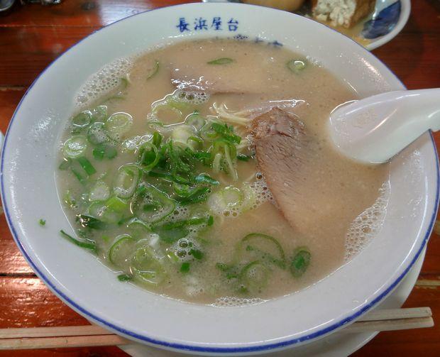 『長浜屋台 一心亭 本店』ラーメン(450円)