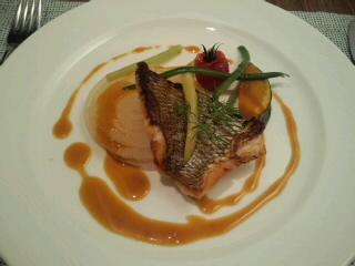 白身魚のポワレ柑橘ソース