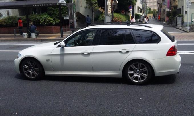 BMW 330i _20110523