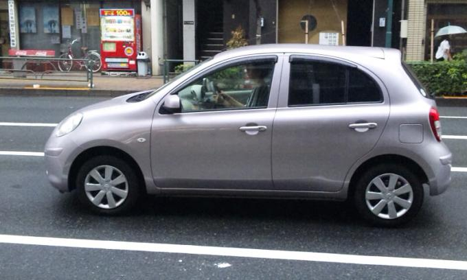NISSAN MARCH_20130925