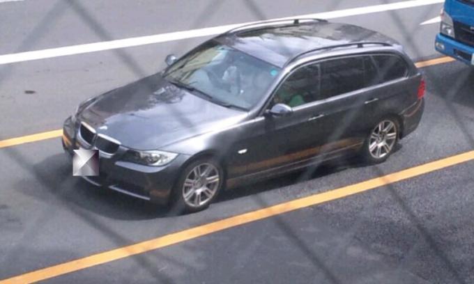BMW  320i_20110903