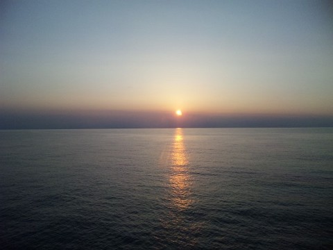 フェリーでの夕陽20130803